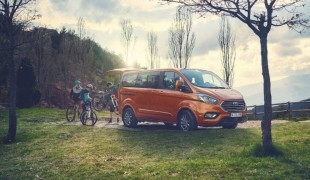 Гибридный Ford Tourneo Custom