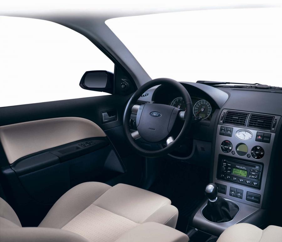 Ford Mondeo салон фото 4 - превью