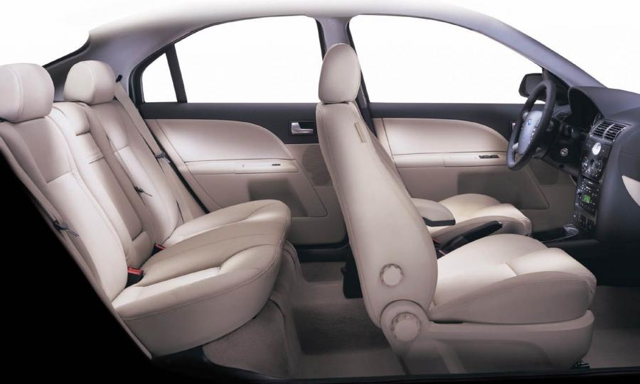Ford Mondeo салон фото 3 - превью