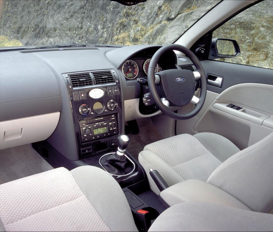 Ford Mondeo салон фото 2 - превью